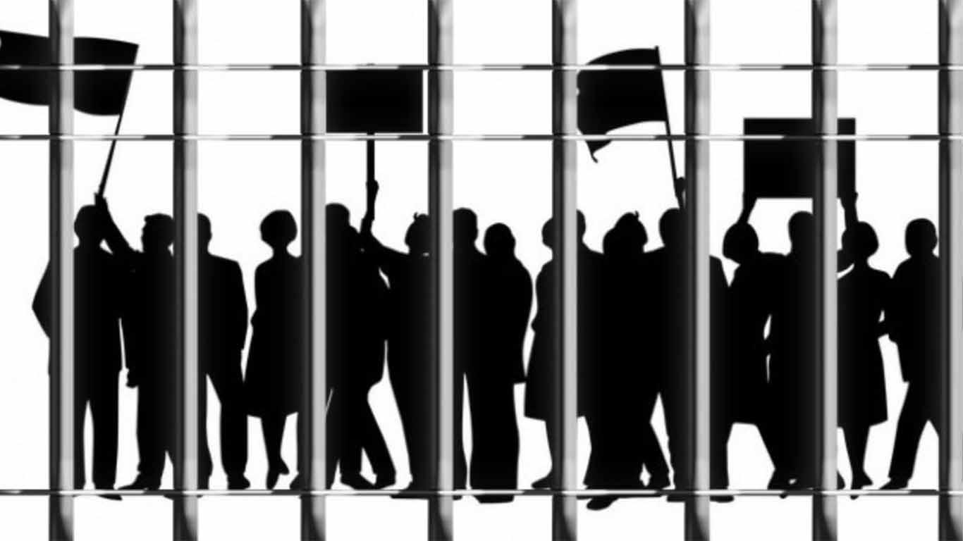 Kelebihan dan Kekurangan Demokrasi