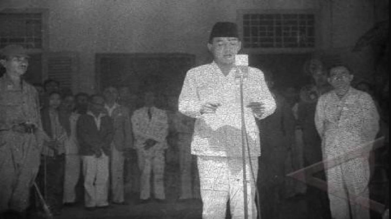 Contoh Teks Sejarah Indonesia