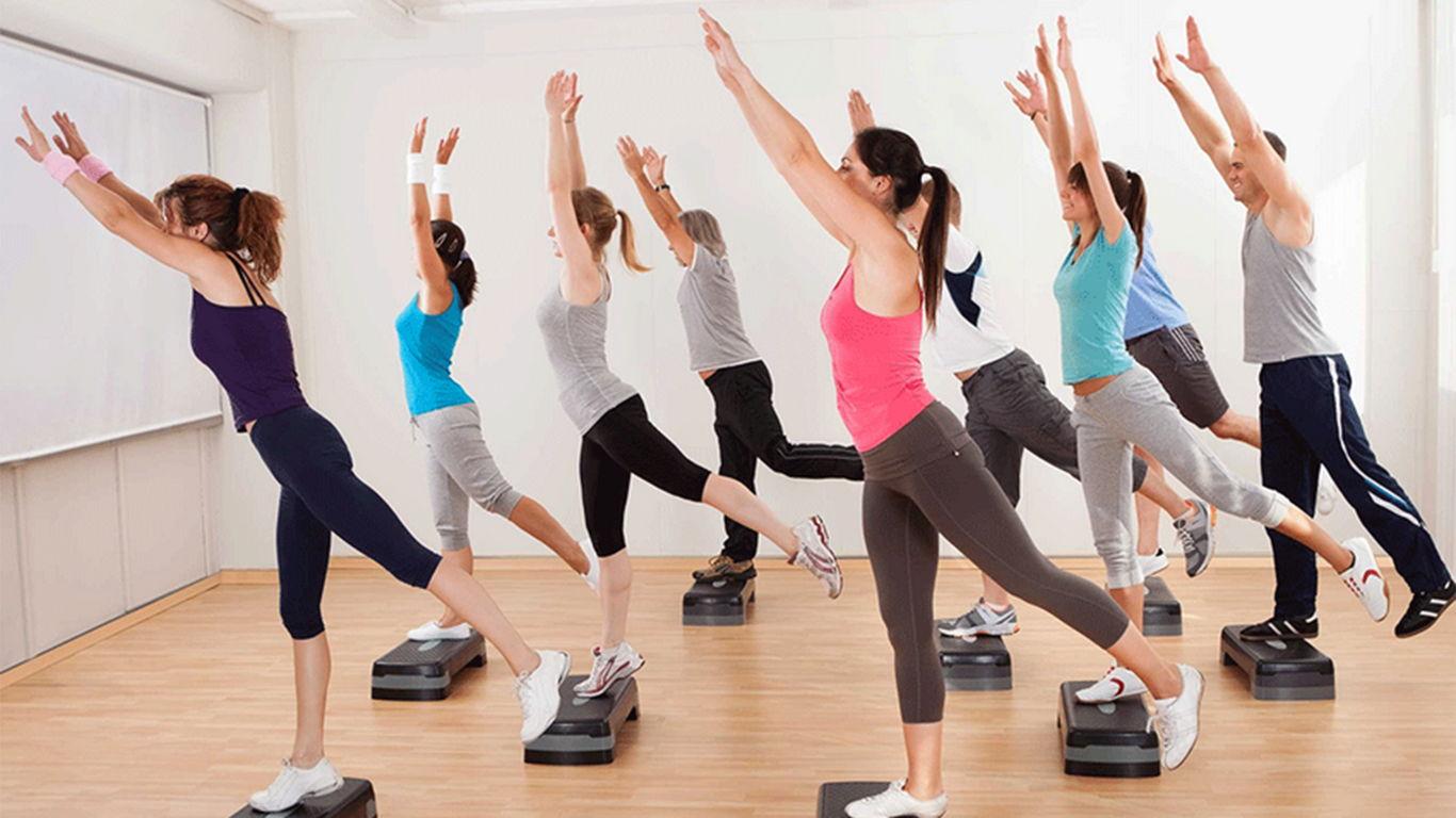 gerakan senam aerobik