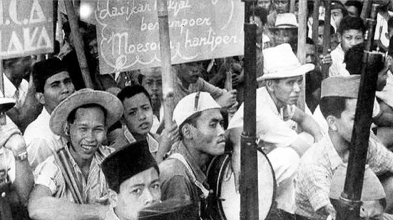 Latar Belakang Revolusi Indonesia