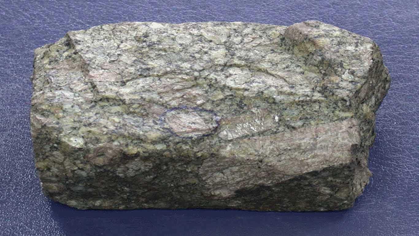 contoh batu beku granit