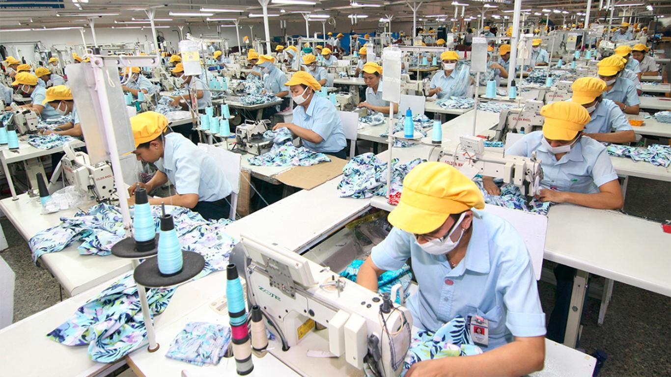 contoh perusahaan manufaktur dan bahan bakunya