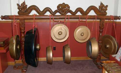 Alat Musik Tradisional Jawa Tengah Kempul