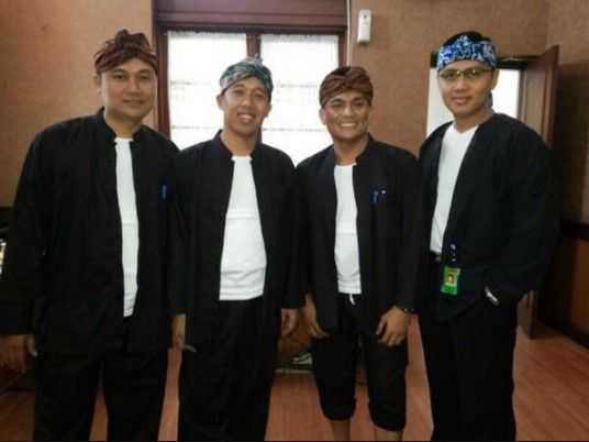 Pakaian Adat Banten (Pangsi)
