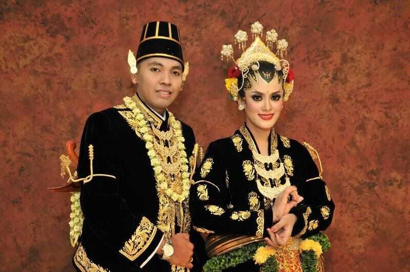 Pakaian Adat Daerah Istimewa Yogyakarta (Kesatrian Ageng)