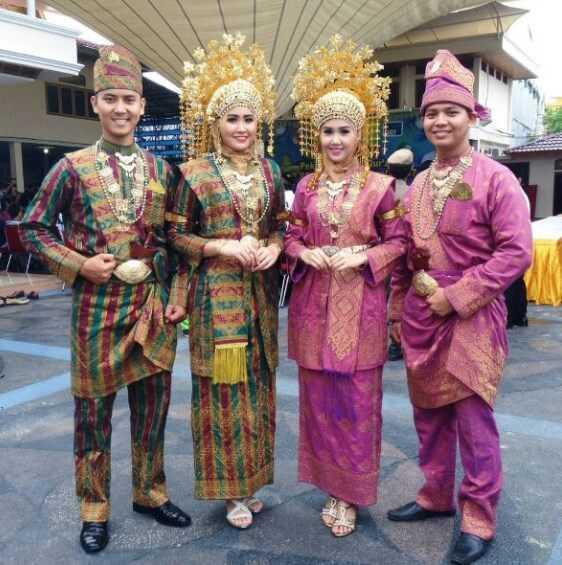 Pakaian Adat Riau (Melayu)
