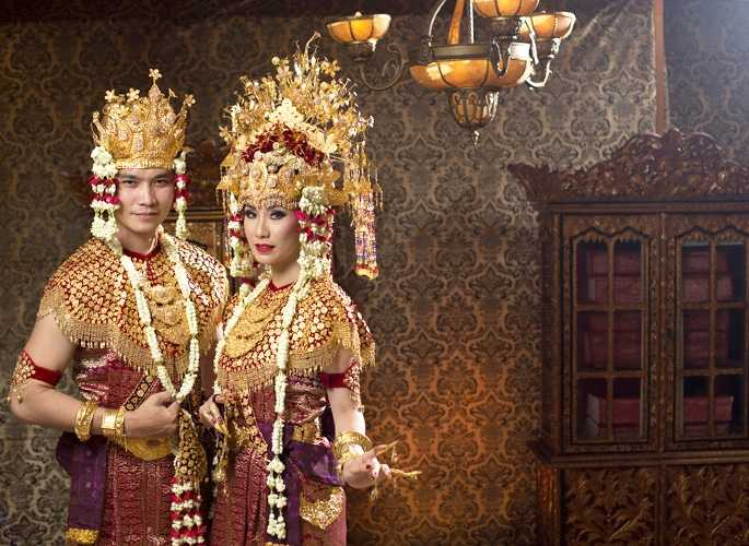 Pakaian Adat Sumatera Selatan (Aesan Gede)