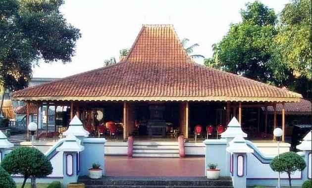 Pembagian Ruangan Rumah Adat Joglo Jawa Timur dan Keunikannya