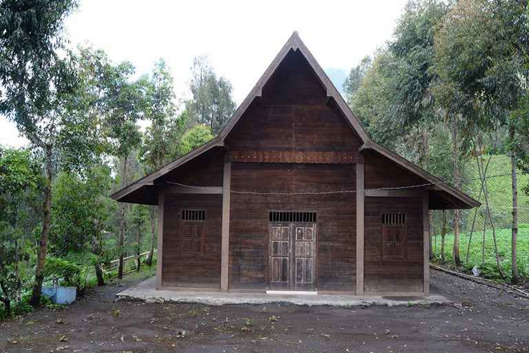 Rumah Adat Suku Tengger