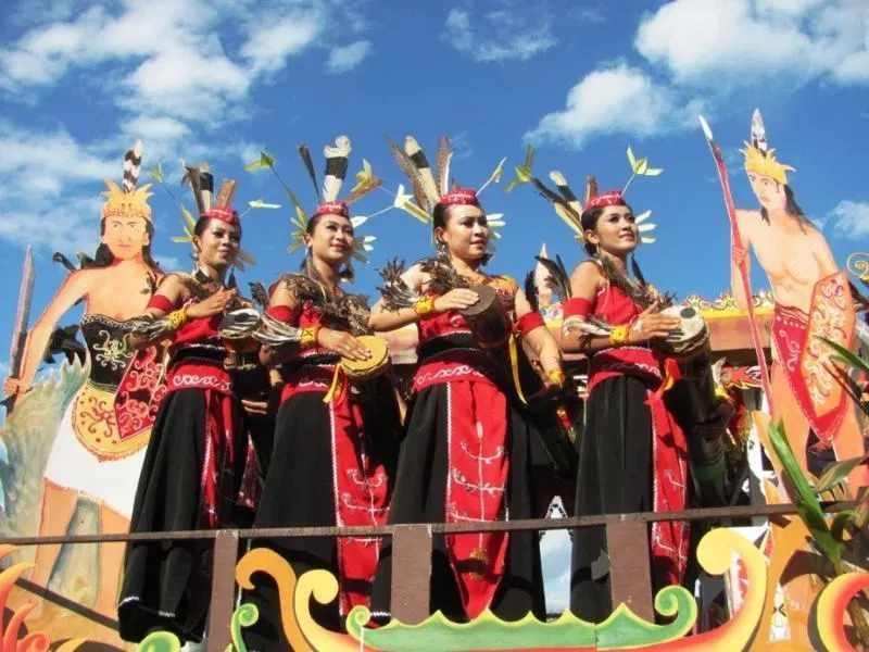 Daftar Pakaian Adat Kalimantan Timur