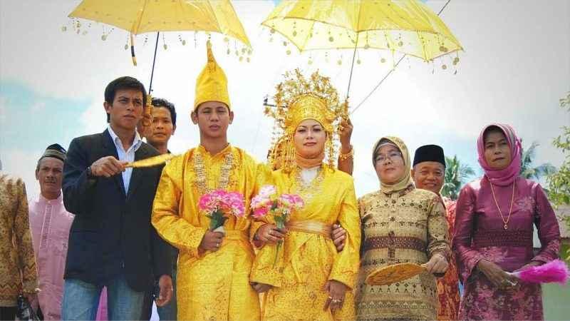 Daftar Pakaian Adat Riau