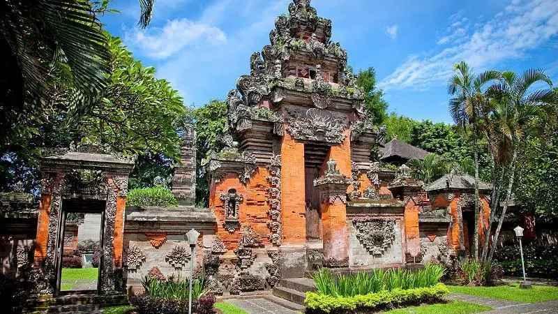 Filosofi Rumah Adat Bali