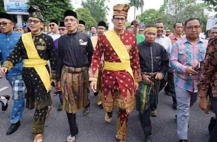 Nilai-Nilai dalam Pakaian Adat Riau