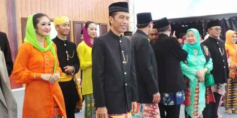 Pakaian Adat Khusus Bangsawan Betawi