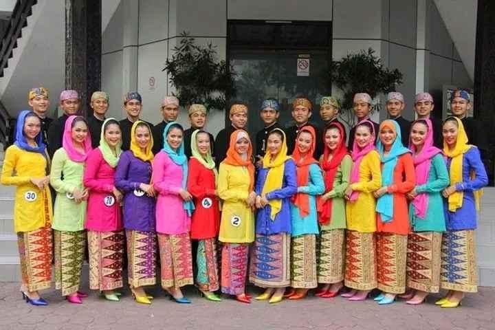 Pakaian Adat Khusus Wanita Betawi