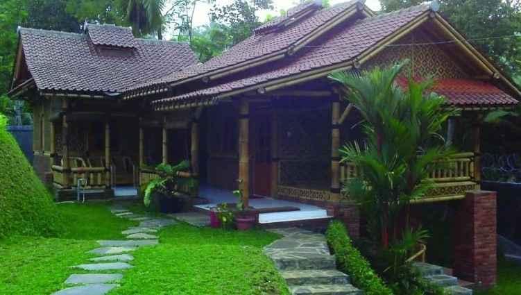 Rumah Adat Jubleg Nangkub