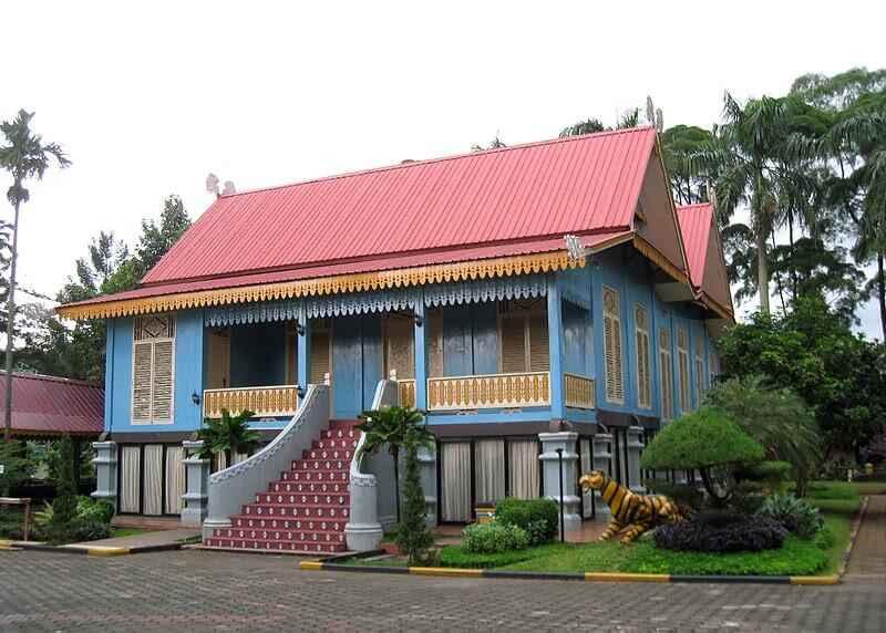 Rumah Adat Melayu Lipat Kajang