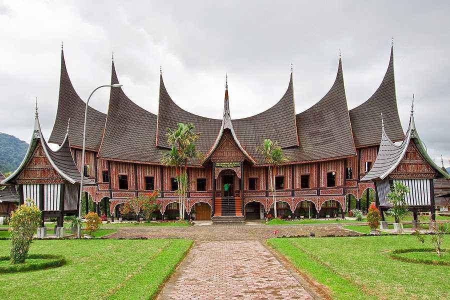 Rumah Adat Sumatera Barat (Rumah Gadang )