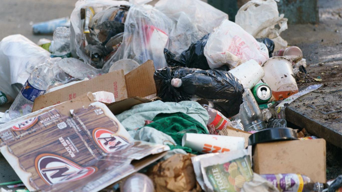Contoh Teks Eksplanasi Sosial Tentang Sampah